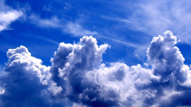 clouds-in-the-sky-wallpaper-1366x768