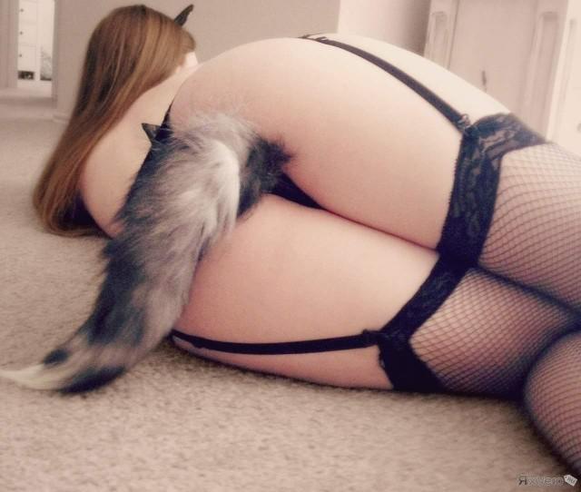 эро фото девушка с хвостиками