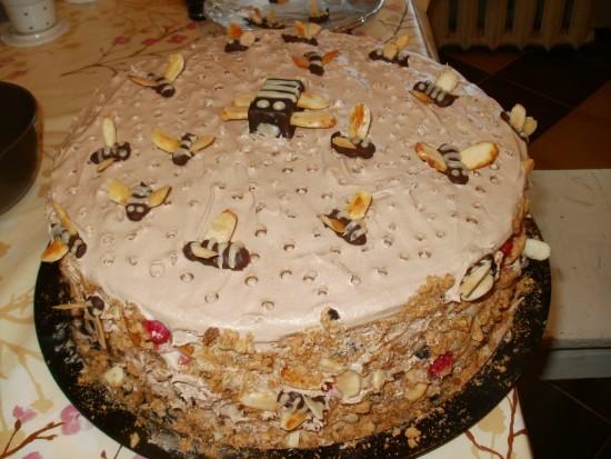 Торт с пчелами