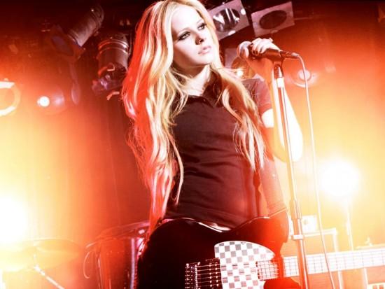 kinopoisk.ru-Avril-Lavigne-654638--w--1280