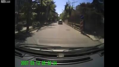 ДТП в Сочи: наехал на люк