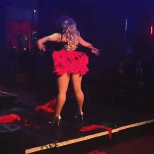 Балерина с очень пышными формами ломает шаблоны