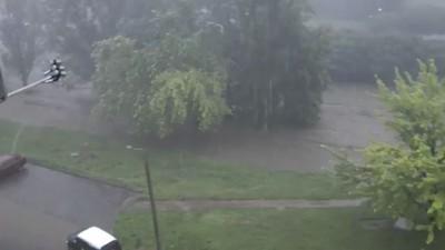 Дождь в Харькове - смыло женщину