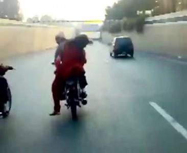 Банда пакистанских байкеров