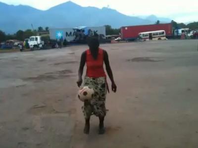 Футболистка из Танзании
