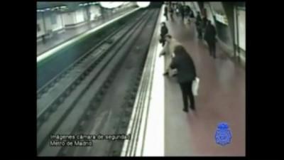 В метро на волосок от смерти