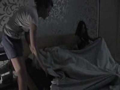 В постели с двумя незнакомками