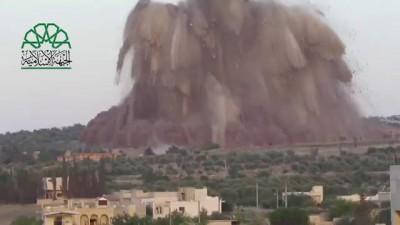 رائع جدا الجبهة الإسلامية - فيلق الشام    نسف حاجز تلة السوادي بقلب وادي الضيف 14-5-2014