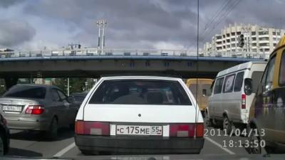 Перевернулась карета скорой помощи в Омске