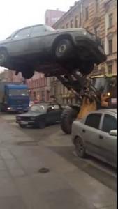 Эвакуация Волги по-питерски