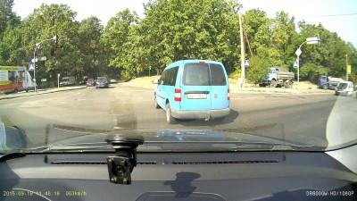 ДТП при повороте налево
