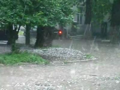 Град в Симферополе 1 июня 2011 г.