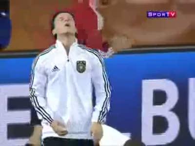 Mesut Ozil Chewing Gum Trick