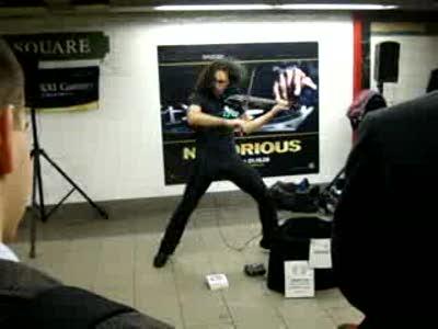 Скрипач в метро