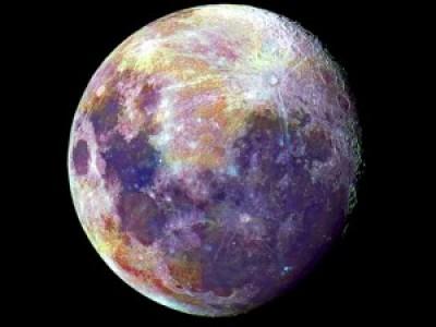 Луна обретает свой цвет. Color of the Moon