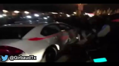 Ferguson Protesters Smashing St.Louis Police Car #R.I.P MIKE BROWN