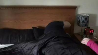 Как нужно будить утром свою вторую половинку