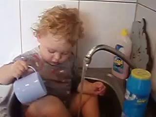 Маленькая, портативная посудомоечная машина