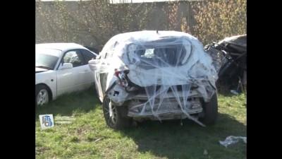 Курский полицейский, рискуя жизнью, спас в аварии молодых людей (видео)