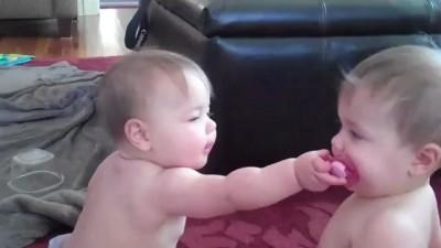 2 ребёнка 1 соска
