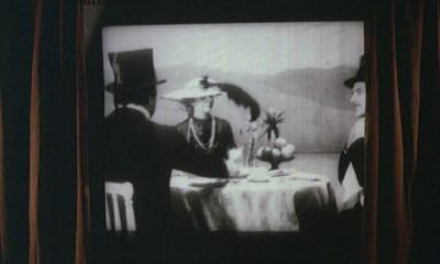 Яповцы смотрят фильму