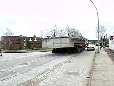 SPMT mit 300 t Brücke
