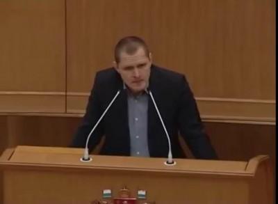 Максим Ряпасов добровольная отставка