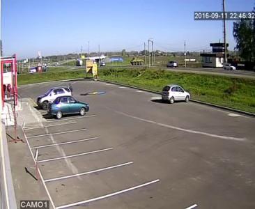 altapress.ru: БТР столкнулся с легковушкой на въезде в Бийск