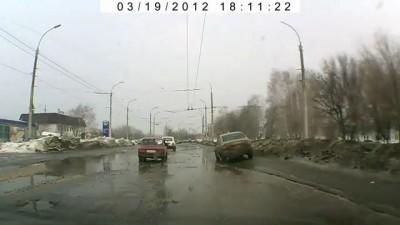 Дорога в Тамбове после зимы 2012