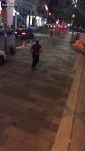 Полицейский нейтрализует террориста
