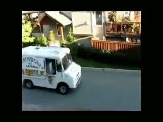 Веселый мороженщик