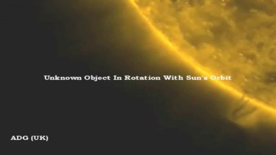 Solar UFO Collects Plasma Then Engage's Warp 2012 HD