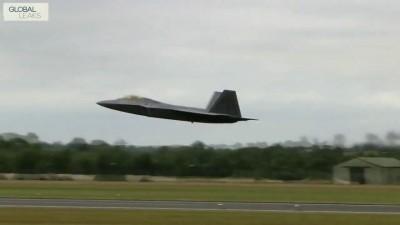 Взлёт F-22 Raptor