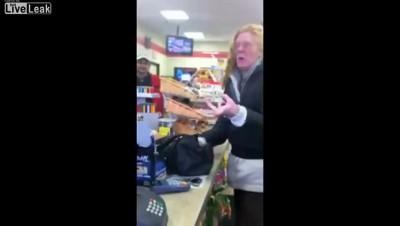 Сумасшедшая в супермаркете!!!