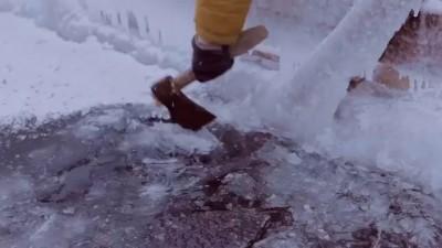 Ныряние в ледяную прорубь в - 24 градуса (Крещение)