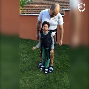 Отец и его парализованный сын