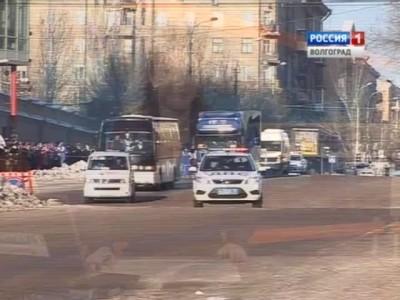 В Волгограде состоялась символическая встреча факелов двух Олимпиад