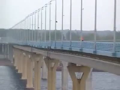 Волгоградский мост ходит…