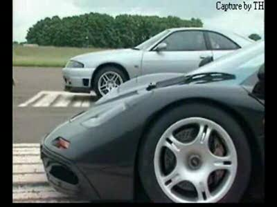 Сравнение Nissan Skyline и Mclaren F1