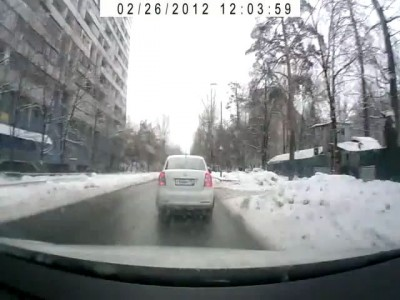 Нарушение ПДД и драка у светофора