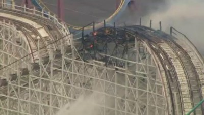 Colossus on Fire - Lift Hill Collapses - Six Flags Magic Mountain