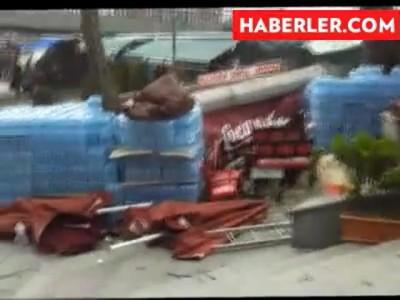 На Стамбул обрушился сильный ураган, есть разрушения