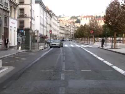 Неудачно остановил автобус