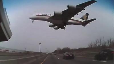 Низкий проход над трассой A380 посадка в Кеннеди аэропорт