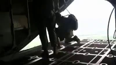 Случайное раскрытие запасного парашюта