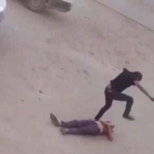 жестокое избиение мужчины