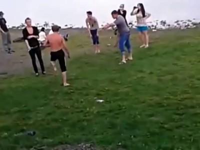 Боевые тридварасы против гопников Красноярск)