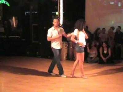 Жаркий танец