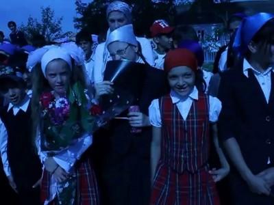 Гимн РФ поют учащиеся СОШ ст. Каргалинская