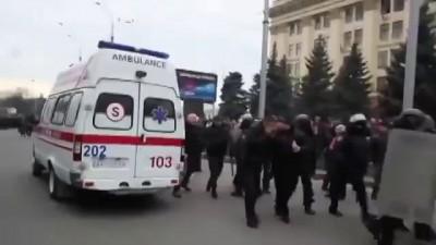 Избиение демонстрантов в Харькове